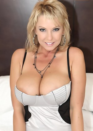 Free Big Boobs Glamour Porn Pictures
