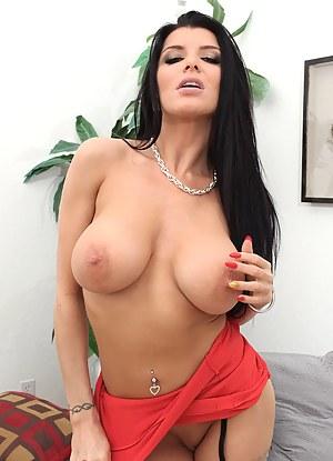 Free Big Boob Brunette Porn Pictures