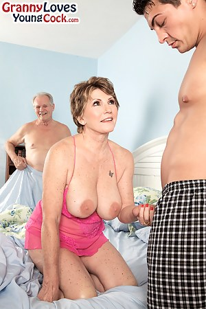 Free Big Boobs Handjob Porn Pictures