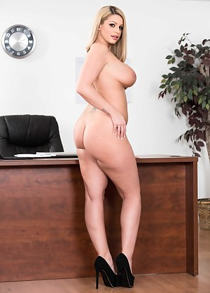 Free Big Boobs Secretary Porn Pictures
