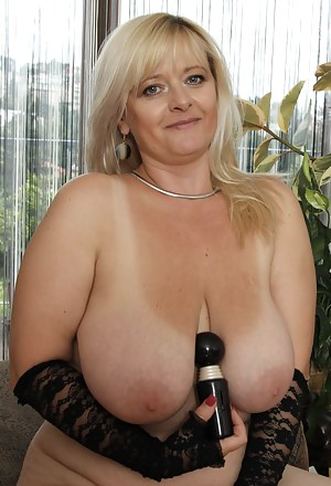 Free Big Boobs Sex Toys Porn Pictures