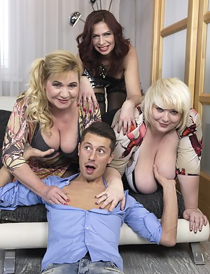 Free Big Boobs Foursome Porn Pictures