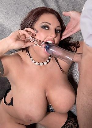 Free Big Boobs Crazy Porn Pictures