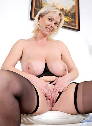 Free Mature Boobs Porn Pictures