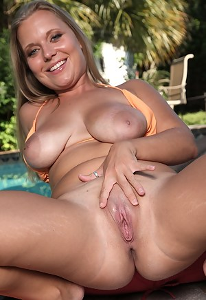 Free Big Boobs and Pussy Porn Pictures